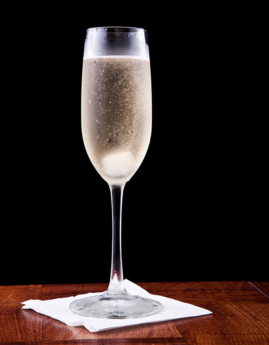 10 classic champagne cocktails by fashion cleaners omaha for Champagne cocktail